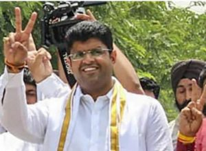 హర్యానా కింగ్ మేకర్ దుష్యంత్ చౌతాలా..?!!!