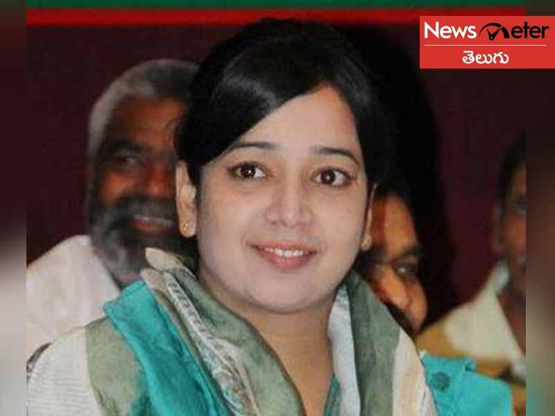 Bangladesh girl leave India notice