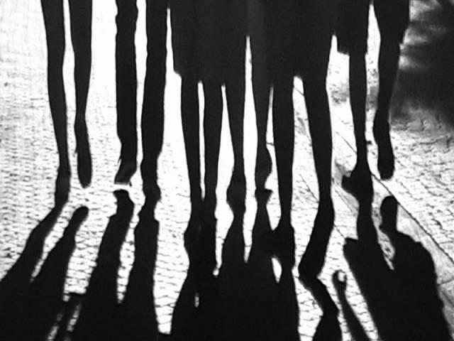 చరిత్రలోనే విషాద ఘటన..గర్ల్ ఫ్రెండ్ పై కోపంతో యువకుడు..