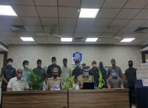 బ్లాక్ మార్కెట్లో యాంటీ వైరల్ డ్రగ్స్ : 8 మంది అరెస్ట్