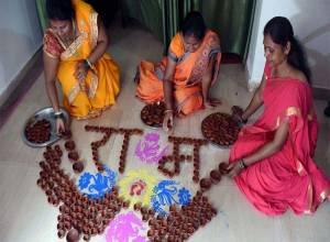 అయోధ్య రామ మందిరం భూమి పూజకు హాజరయ్యేది వీరే..!