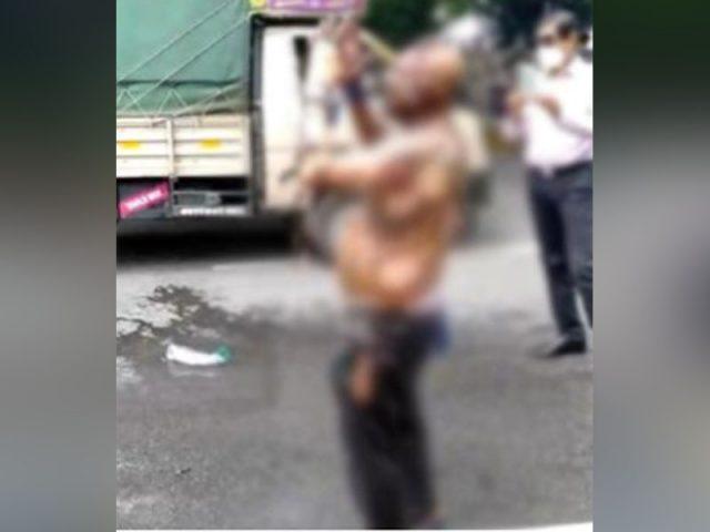 రవీంద్ర భారతి వద్ద పెట్రోల్ పోసుకుని వ్యక్తి ఆత్మహత్యాయత్నం