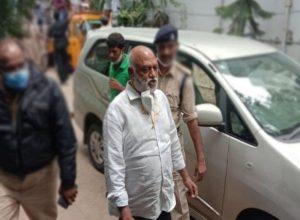 జేసీ ప్రభాకర్రెడ్డితో పాటు 34 మందిపై కేసు నమోదు